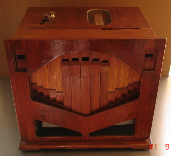 Photo John Smith 20 Note Busker Organ Front View